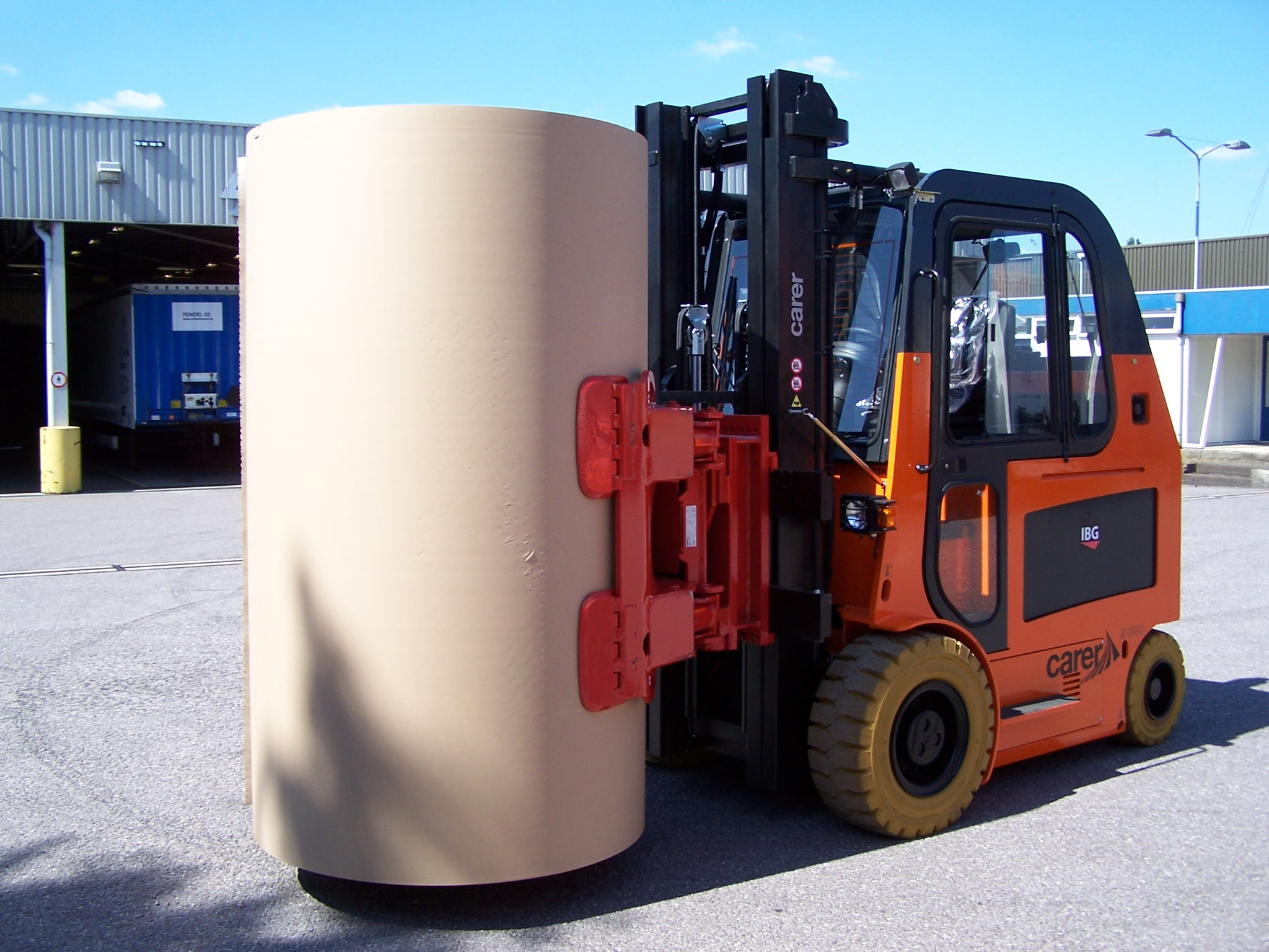 electric forklift design  recently signed by ds smith a