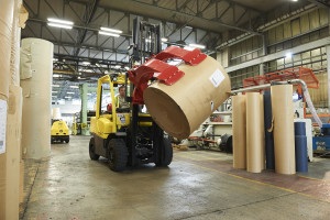 Hyster has developed a solution package for the paper industry-3