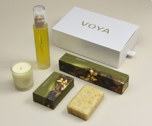 The ecological packaging projected for Voya, the Irish producer of algae-based organic cosmetics, which worked together with Premier Paper and Favini R&D to create paper using by-products from the production of cosmetics. In creating this special paper, Favini has replaced a portion of the cellulose with by-products from algae processing.