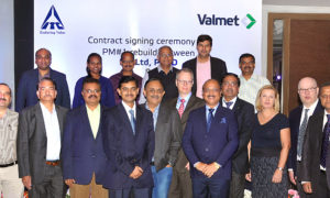 Contract signing ceremony between ITC and Valmet.